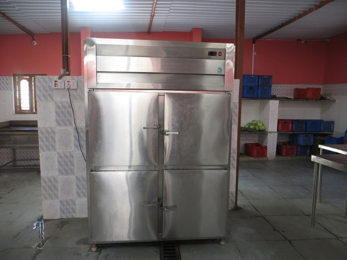 Corporate Caterer cold storage Papastiffin